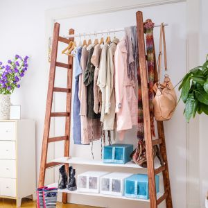 Pomysł na otwartą garderobę. Fot. Bosch