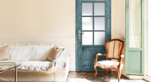 Drewno wspaniale ociepla każde domowe wnętrze. Wprowadza niepowtarzalną przytulną atmosferę sprzyjającą pracy i wypoczynkowi.