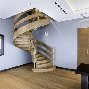 Schody wstęgowe. Fot. Marchewka Schody - Podłogi - Wnętrza