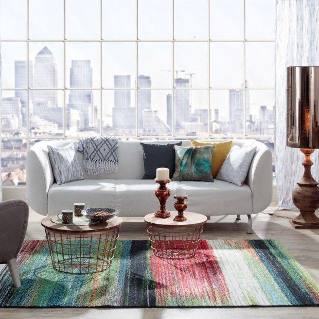 Sofa w salonie: pokrowce, które pozwolą Ci często zmieniać wystrój