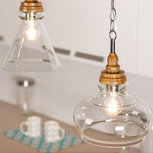 Drewniane lampy. Fot. Britop Lighting