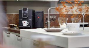 Dzięki nowoczesnym funkcjom zastosowanym w nowych ekspresach automatycznych można uzyskać kawę, w jakości profesjonalnych ekspresów kolbowych i delektować się jej niepowtarzalnym smakiem i aromatem.