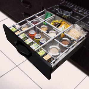 Praktyczne separatory pozwolą uporządkować żywność w szufladzie. Fot. GTV