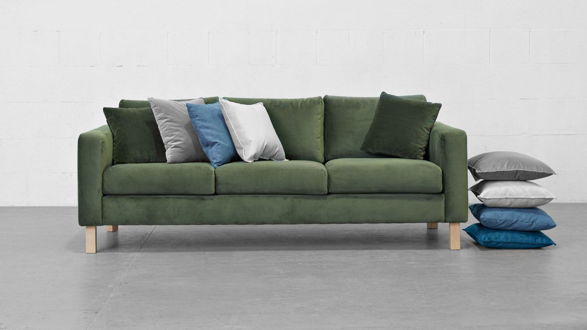 Sofa kera black red white sofa kera black red white for Red white sofa