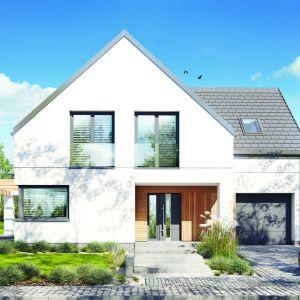 Dom w Amorfach to interesujący projekt domu z poddaszem użytkowym, którego nowoczesny styl podkreśla sposób wykończenia elewacji i starannie dobrany detal. Projekt: Dom w amorfach. Fot. Archon +