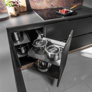 Dzięki nowoczesnym systemom kuchnia może być bardziej funkcjonalna. Fot. Peka
