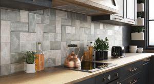 Płytki ceramiczne to wciąż najbardziej popularny sposób na dekorację ścian i podłóg w kuchni. I choć projektanci wnętrz przekonują nas do coraz to innych rozwiązań, to właśnie one cieszą się niesłabnącym uznaniem.