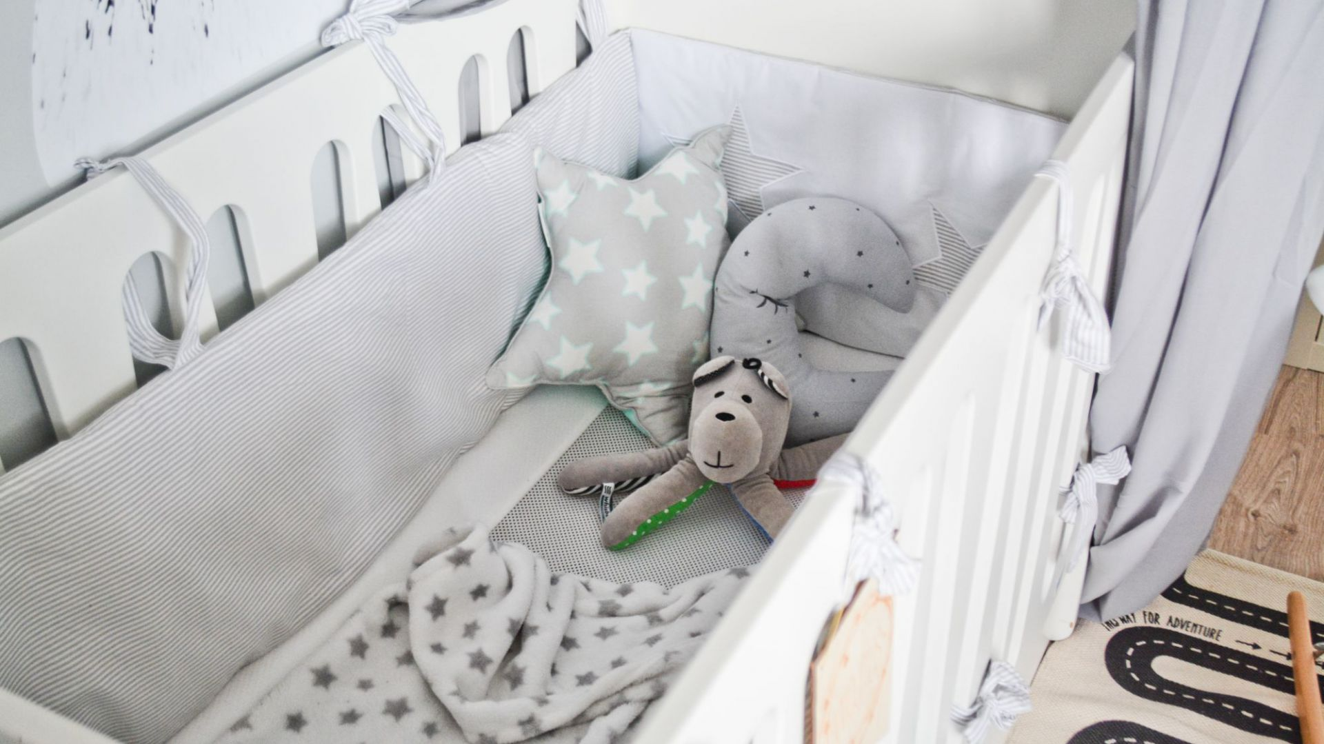Pokój niemowlaka: aranżacje w stylu skandynawskim. Fot. qamille.blogspot.com