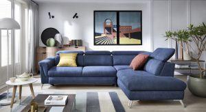 """Jak zorganizować sobie wypoczynek przez duże """"W"""" pokoju dziennym? Podstawą jest wygodna i funkcjonalna kanapa."""