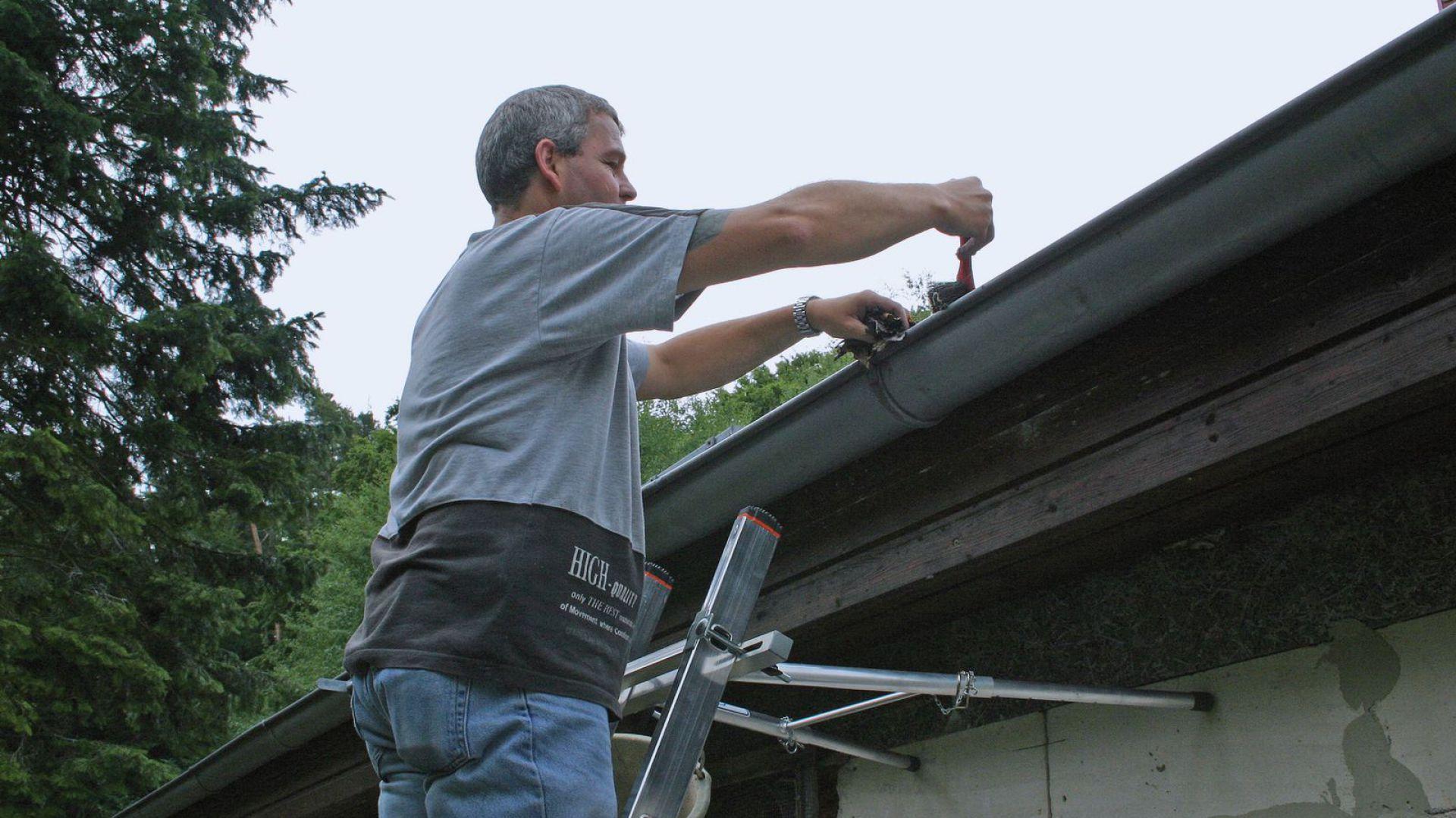 Przygotowanie dachu do zimy. Fot. Krause