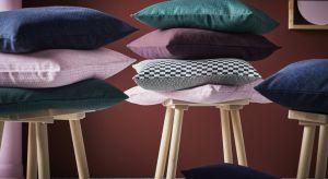 Nowa seria będąca efektem współpracy IKEA z duńską firmą projektową HAY. Kolekcja obejmuje szeroki wybór produktów, od sof i stolików kawowych, po drobne akcesoria, takie jak nowa wersja kultowej, niebieskiej torby IKEA.