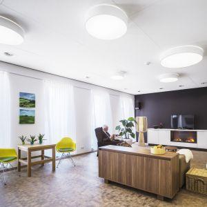 Standardy w nowoczesnym budownictwie pokazują, że budynek musi być przede wszystkim bezpieczny dla zdrowia jego użytkowników. Fot. Ecophon