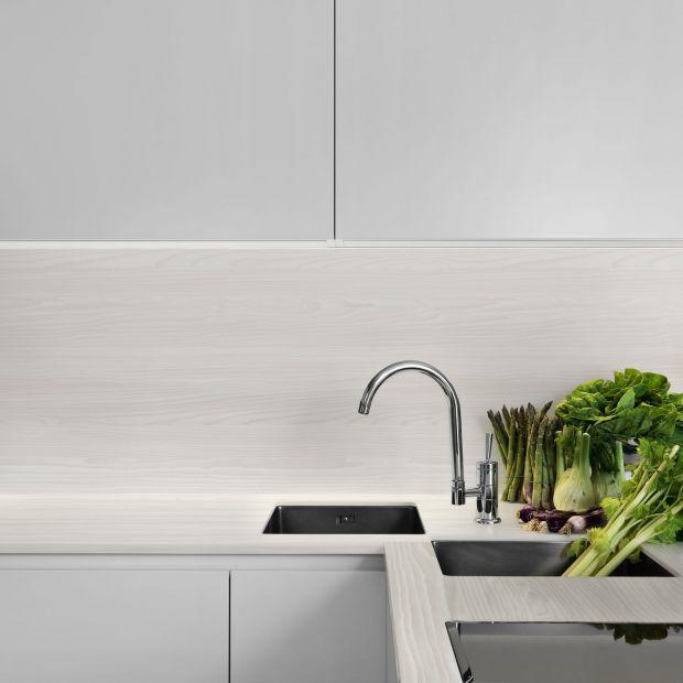 Jasna kuchnia - modne odcienie na meble i blaty