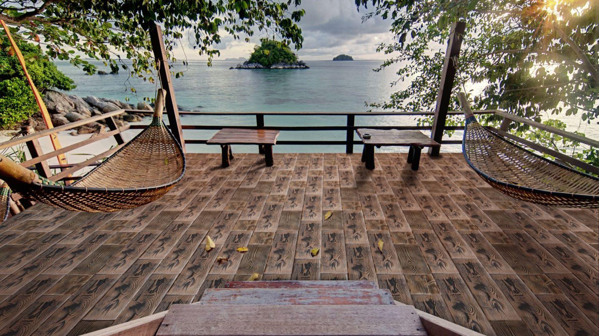 Deska tarasowa Wood łączy betonową strukturę z fakturą drewna; oferowany w trzech formatach: 18,5x18,5 cm, 37x18,5 cm, 56x18,5 cm. Fot. Stone Master