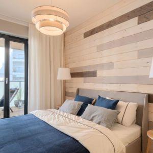 Ściana z drewnianymi panelami. Fot. Nordic Mokotów