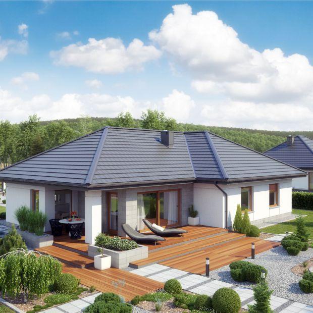 Dom z tarasem: 10 propozycji na drewno