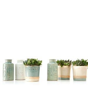 Komplet kolorowej ceramiki. Fot. Mood Design