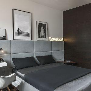 Sypialnia urządzona w nowoczesnym stylu. Projekt: Anna Nowak-Paziewska. Fot. Emi Karpowicz