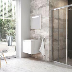 Potrójne drzwi prysznicowe Blix BLDP3 z praktycznym system przesuwu. Fot. Ravak