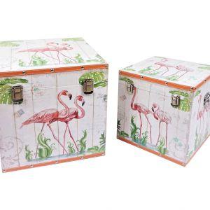Komplet dwóch stylowych kufrów Flamingo ozdobionych tropikalnym motywem z czerwonakami. Fot. Westwing