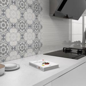 Aranżacja kuchni: ściana nad blatem. Fot. Ceracasa