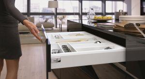Szuflady to specjalistki od trudnych wyzwań, a w przypadku wyspy kuchennej - muszą dodatkowo wyróżniać się designem i jakością wykonania.