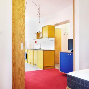 Wakacyjny apartament nad morzem. Projekt i zdjęcia: Atelier Starzak Strebicki