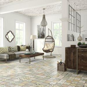 Panele z kolekcji Loft Cerama. Inspiracją do stworzenia nieprzeciętnych dekorów była marokańska ceramika. Wytrzymałe i odporne na uszkodzenia mechaniczne, co potwierdza klasa ścieralności AC4. Wymiary: 1286x160x8 mm. Cena: od 58,70 zł/m², Classen/RuckZuck. Fot. RuckZuck
