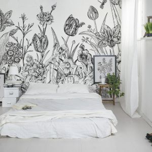 Kolekcja Dark Florals. Fot. Pixers