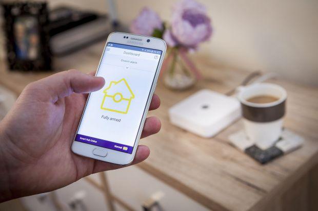 Potencjał technologii smart od kilku lat wykorzystywany jest przez twórców urządzeń, które każdego dnia ułatwiają nam codzienne funkcjonowanie.