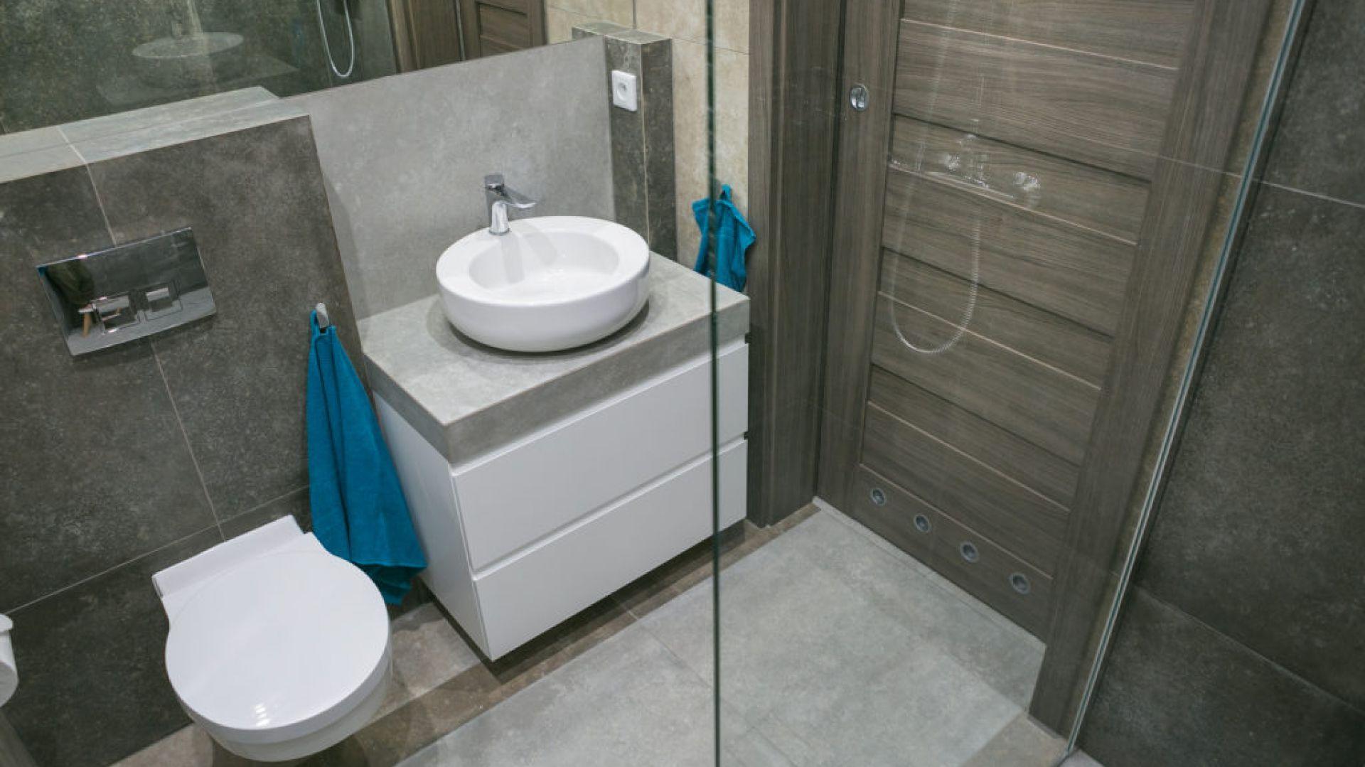 Aranżacja łazienki: łazienka w apartamencie w Krakowie. Fot. Kahelo