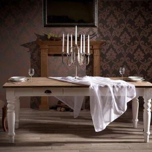 Stół Brighton w stylu angielskim. Fot. Dekoria.pl