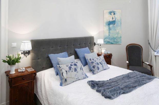 25 pomysłów na ścianę za łóżkiem w sypialni