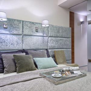 Aranżacja sypialni: ściana za łóżkiem. Projekt: Przemek Kuśmierek. Fot. Mariusz Purta/P2 Foto