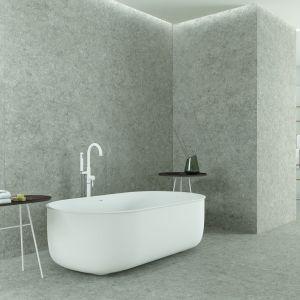 Nowoczesna łazienka: szare płytki ceramiczne. Fot. Grespania