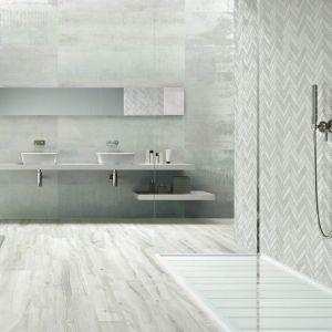 Nowoczesna łazienka: szare płytki ceramiczne. Fot. Ibero Ceramica