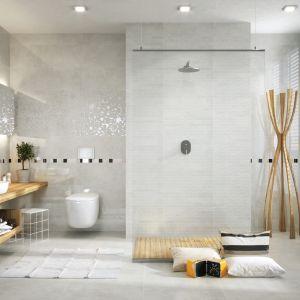 Nowoczesna łazienka: szare płytki ceramiczne. Kolekcja Light Marble. Fot. Opoczno