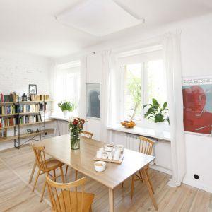 Półki na książki - ciekawe pomysły. Projekt: Ewelina Pik, Maria Biegańska Fot. Bartosz Jarosz