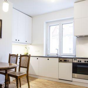 Przebudowa mieszkania z lat 50. ub. w. projekt: Atelier Starzak Strebicki. Zdjęcia: Mateusz Bieniaszczyk