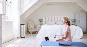 W naszych domach coraz częściej pojawiają się sprzęty, które jeszcze kilka lat temu były rzadkością. Ostatnio, ze względu na zagrożenie smogowe, we wnętrzach królują oczyszczacze powietrza.