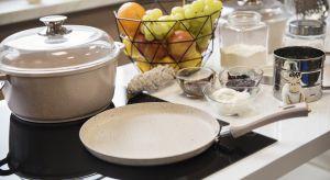 W kuchni urządzonej w kolorach natury przygotowywanie posiłków jest prawdziwą przyjemnością.