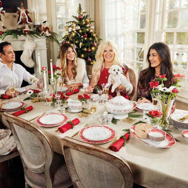 Stół na święta - porcelana z czerwonym akcentem