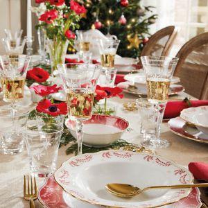 Aranżacja świątecznego stołu. Fot. Fyrklovern