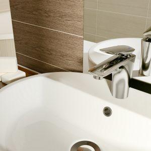 Aranżacja łazienki: piękna i praktyczna. Bateria umywalkowa Mayo. Fot. Cersanit