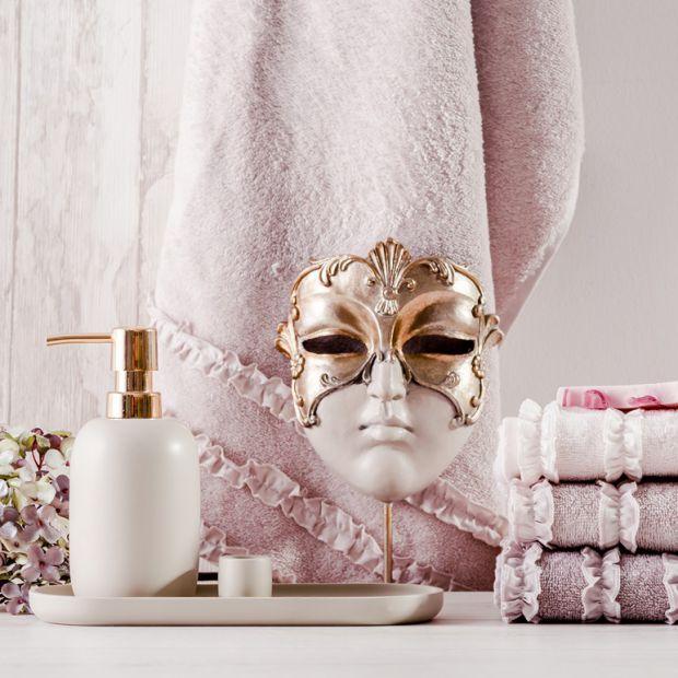 Łazienka w stylu glamour - postaw na dodatki