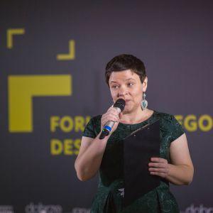 Justyna Łotowska, redaktor merytoryczna Forum Dobrego Designu przywitała gości V wydarzenia. Fot. Piotr Waniorek.