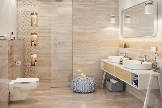 Pomysły na ściany w łazience: płytki jak kamień