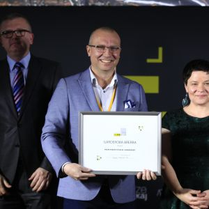 Wyróżnienie w kategorii Przestrzeń Sypialni i Garderoby trafiło do firmy Anegre za Garderobę Brerra. Dyplom odebrał Prezes Zarządu, Paweł Ewiak.