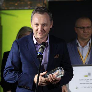 Nagrodę główną w kategorii Przestrzeń Sypialni i Garderoby za szkło Colorimo Modo firmy Mochnik odebrał kierownik działu handlowego i marketingu, Dariusz Jędrzejczak.