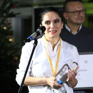 Zaprojektowany przez Karima Rashida fotel Phaze dla firmy Kinnarps zdobył nagrodę główną w kategorii Wnętrza Publiczne. Statuetkę odebrała arch. Anna Kopeć.